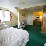 Family Room (2 adults, 3 children), En Suite, Tea/Coffee Facilities, TV, Ground Floor