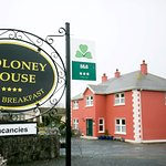 Moloney House Bed & Breakfast, less than a 5 minute walk to Doolin village