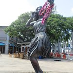 hula girl statues all over the gounds of the Aloha Marketplace
