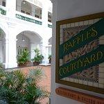 Photo de Raffles Hotel Arcade