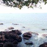 Photo de Seashell Haris Beach Home
