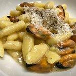 Gnocchetti di patate, cacio, pepe e cozze
