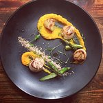 Pan fried scallops with a bacon crumb and butternut purée. Aint no thang!