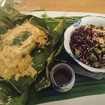 Main course: salmon in banana leaf with riceberry salad
