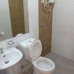 The bathrooms of Rozen Suites