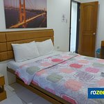 Queen-size Single Bed Guest Room with External Bathroom