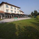 Photo de Raya Hotel Motel