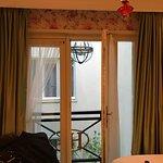 Photo de Hotel Estherea