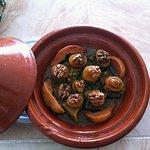 Tajine aux coings et noix