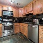 B104 - kitchen