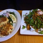 Crab cakes and arugula salad