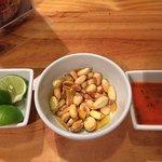 Excelente opción para comer o cenar en el distrito Miraflores en Lima. La comida es deliciosa. S
