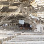 Photo de Cave Church