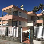 These are photos of 20 Avenida del Oasis. The reception is at number 14. The middle picture is t