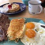 Para empezar por la mañana, buen café y buen desayuno
