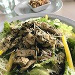 Salad with pesto chicken