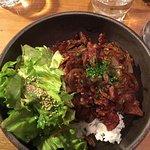 Plat du moment (porc caramélisé salade riz) et nouilles au bœuf