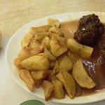 Boulets liégeois à coûte brune et sauce allongée à l'eau (?)