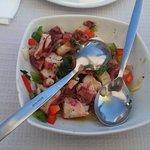 salada de polvo, bem temperada e polvo tenro.