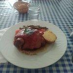 jarret de porc caramélise avec des légume cuit a la vapeur