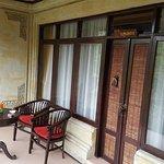 Room entrance/balcony