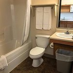 extra clean bathroom .....