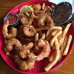 Jumbo shrimp fries and coleslaw. Deep fried and fresh! Loved it!