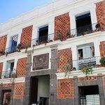 Fachada principal de La Casa del Mendrugo. 4 sur 304, Centro Histórico de Puebla.