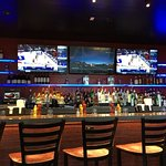 Chili's Terminal B Bar area
