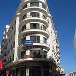 Là oui c'est la Casa Espana au 2ième étége de cet immeuble indiquée par la plaque bleu