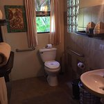 The Toucan Nest bathroom
