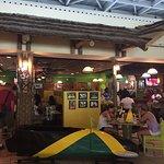Foto de Jamaican Bobsled Cafe