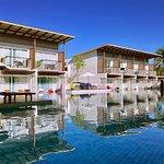 Photo de The Briza Beach Resort Khaolak