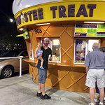 Waiting for the soft serve