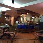 Photo de Thipurai Beach Hotel & Annex