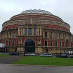 10 Minutes walk to Hyde Park and the Royal Albert Hall.