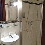 Das Bad zu Zimmer 13