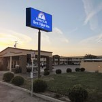 Photo de Americas Best Value Inn- Hanford