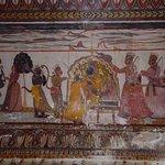 Exquisite murals based on epics.