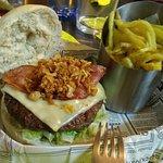 Photo de Seventy '5 Burger & Drink