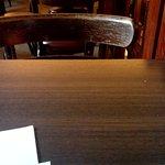 Много столиков
