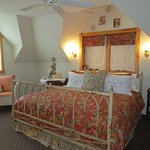 Crystal Dreams Bed and Breakfast Picture