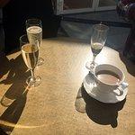 cafe et champagne au soleil