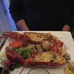 Photo de Man Fridays Seafood Restaurant