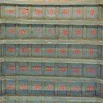 techo con flores pintadas