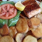 Salmon with chips