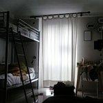 Photo de Tomato Backpackers Hotel