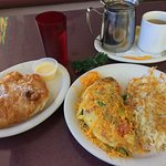 Vegetarian Omelette with hash browns & scone, and Numi Chamomile Lemon tea