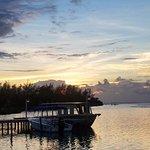 Photo de St. George's Caye Resort