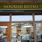 Nourish Bistro Foto